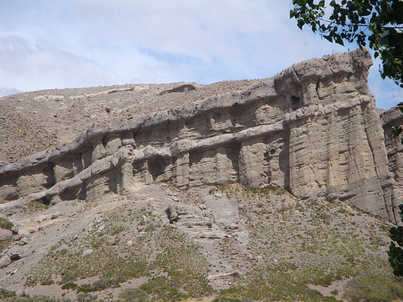 This natural rock formation formed by glaciers and erosion resembles a castle.
